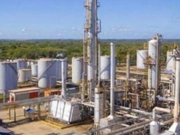 Desalojan complejo petroquímico por fallas en el tanque de etileno