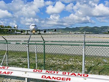 Incautan avión con lingotes de oro proveniente de Venezuela