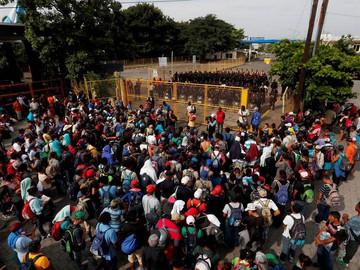 Unos 4,067 inmigrantes hondureños de caravana hacia EEUU han retornado