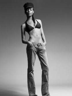 Model Chanue