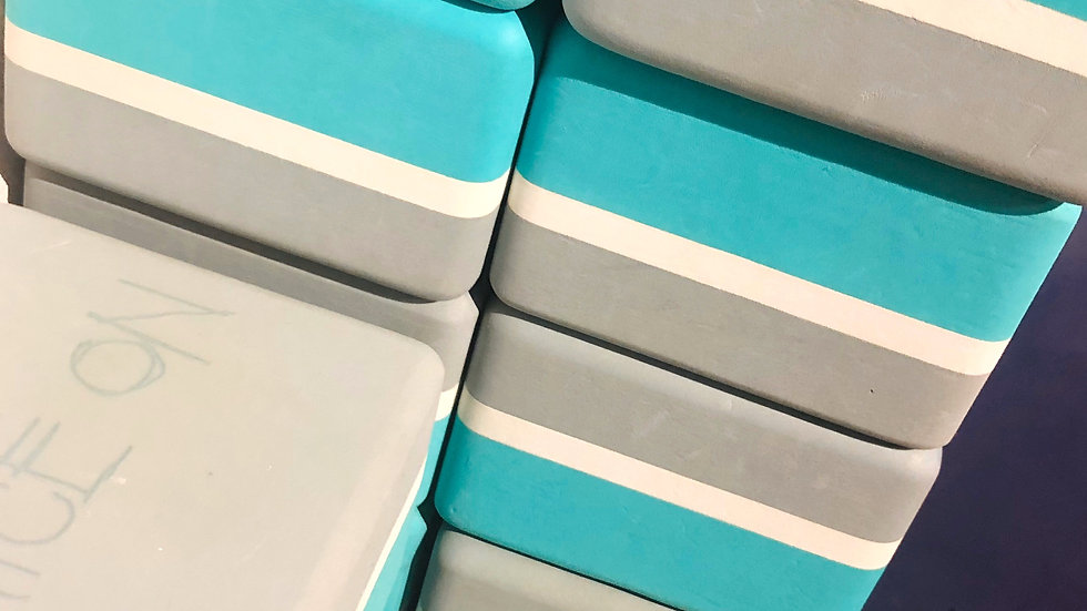 18個セット!Mandukaヨガ ブロック / Recycled Foam Block(エメラルドグリーン・白)