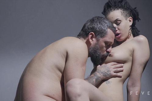 Sexo intenso e gozada na boquinha (LUARA AMARAL)