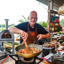Paul aan het kokkerellen