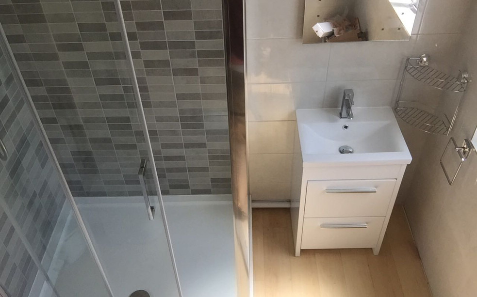 Newport Pagnell Plumber Plumbing services sink shower