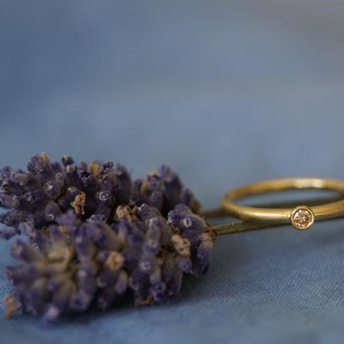 Ring aus 750/000 Gelbgold mit braunem Diamant