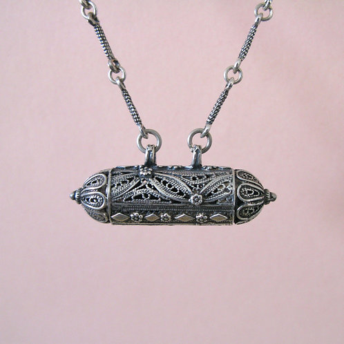 Filigree silver pendant with chain (#5)