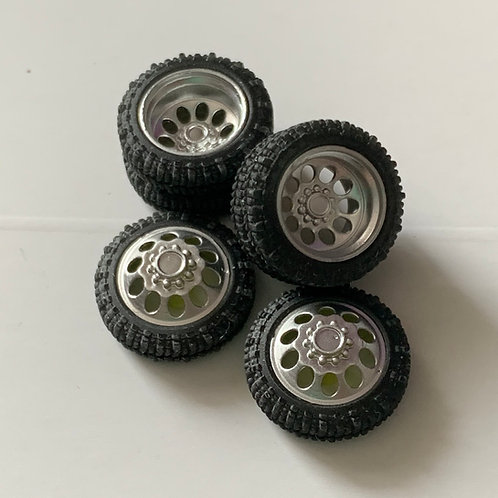 """1:64 """"Crater"""" Duallys with Boggers"""