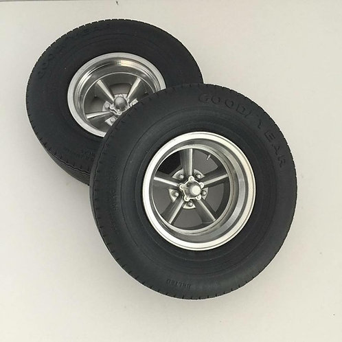 1:8 resin casted rear wheel sets