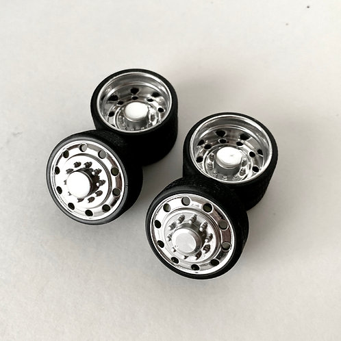 """1:18 26"""" Dually Ten Lug Alcoa wheel and tires"""