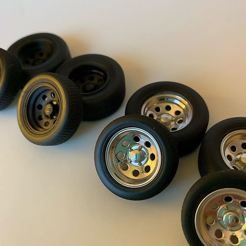 """1:25 17"""" Crager Soft Wheel and Standard Tire"""