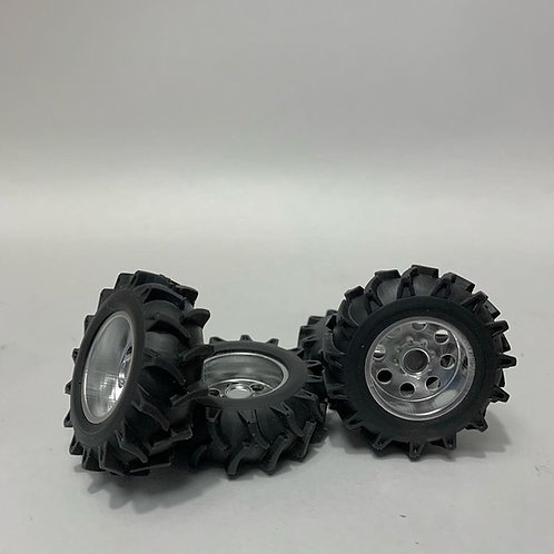 "1:25  ""Boss"" wheels with mega mudder rubber tires"