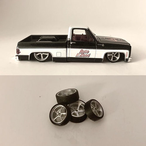 "1:64 Intro ""Aluminum Twist"" wheels  24"" and 26"" Deep Lip with Low Profile Tires"