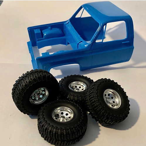 "1:25 15"" Crager wheels on  37"" (15.8mm)mud bloggers"