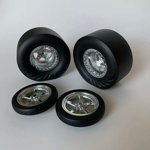 "1:8 ""WeldStar""  Wheels And Tires With Wrinkle Rear Tires (Unchromed/Raw)"