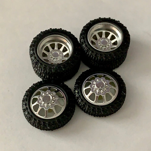 "1:24 26 inch ""Razor"" Dually Wheels with Bogger tires"
