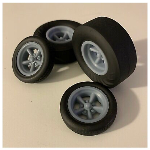 1:18 Five Spoke Wheel and Wrinkle Rear Dragster Tire Setup.