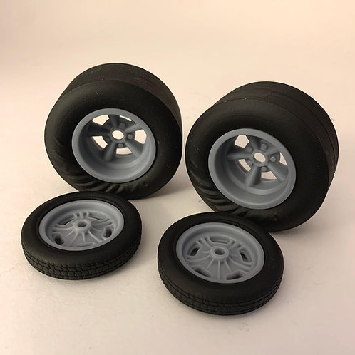 1:18 American Five spokes on the wrinkle drag tire and Halibrand spindle fronts