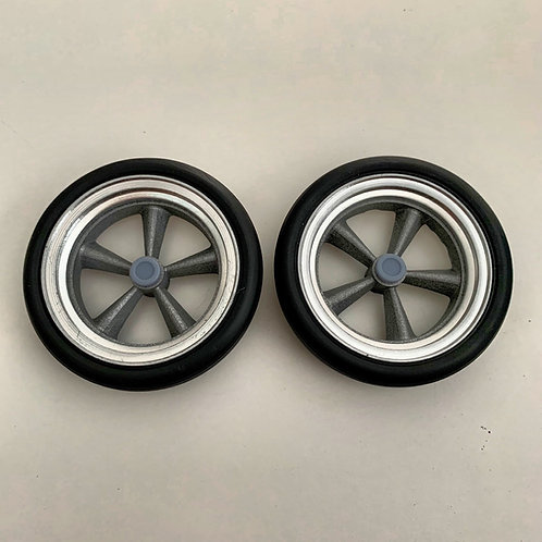 1:8 Set of Front American Five Spoke Spindle with Hoops, Caps and Tires