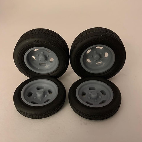 1:25 Ansen wheel and tire setup with rear tire options