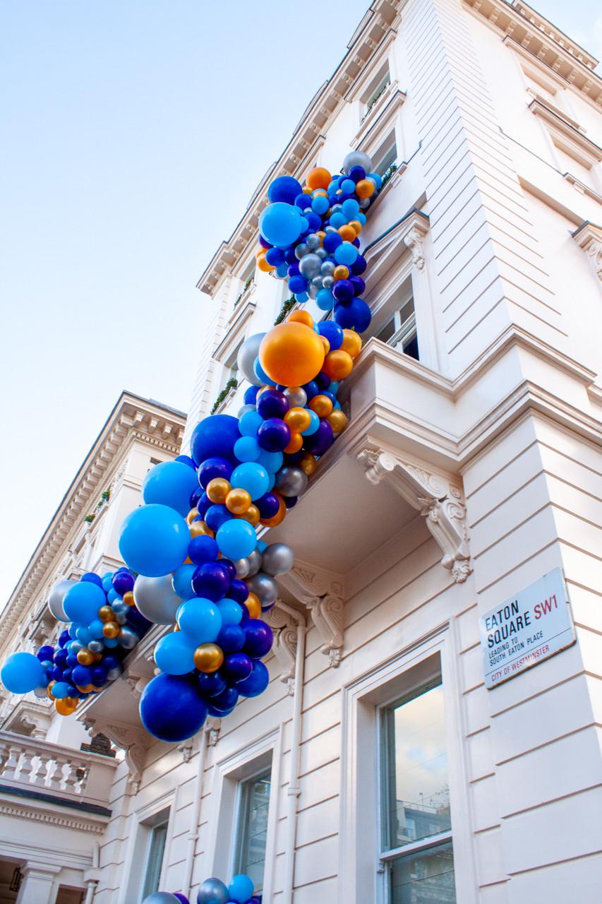 Balloon shot in Chelsea by Lesley van Di