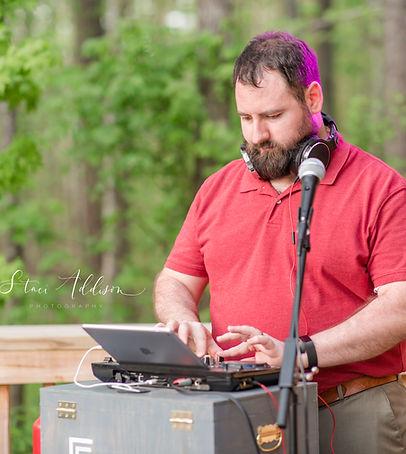 DJ Chols at work