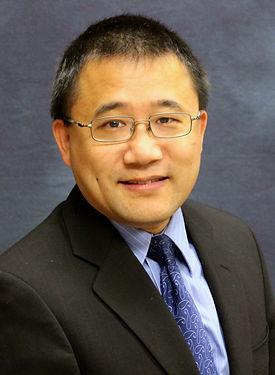 Zhu, Tong headphoto .jpg