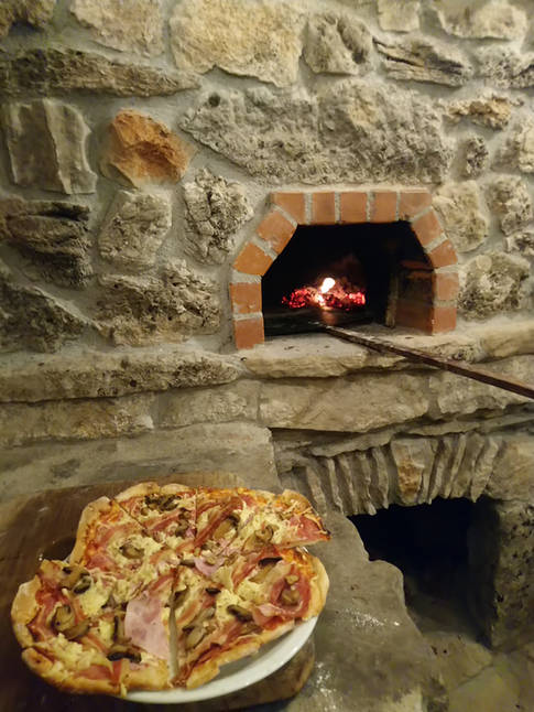 Insel Brac Pizza