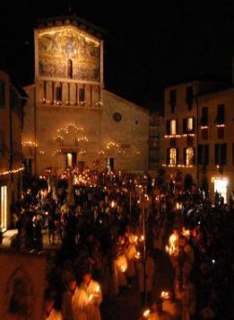 B&B Le Violette | Bed and Breakfast Lucca | Illuminara Lucca, festa del volto santo lucca, processione di santa croce Lucca, Settembre Lucchese, Lucchesi nel mondo