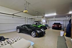 6 car garage.jpg