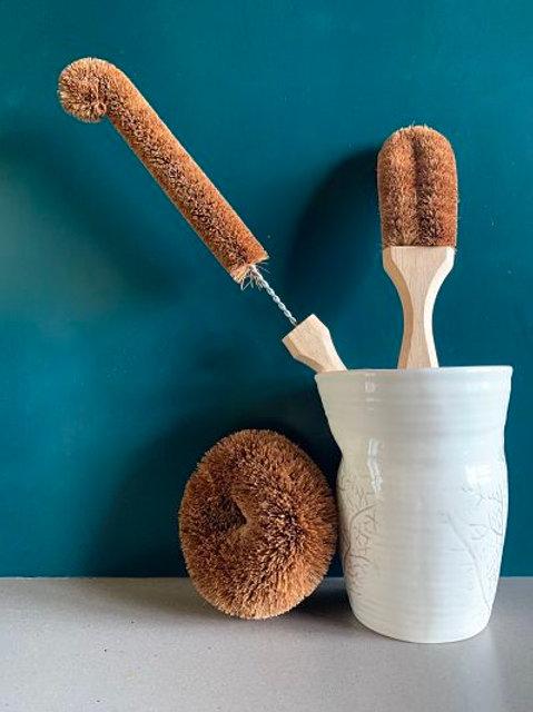 Coconut Dish & Bottle Brushes