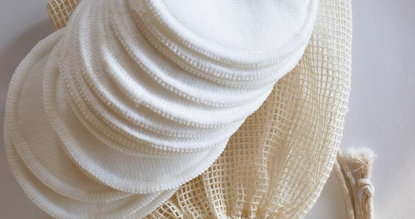 Bamboo Cotton Facial Rounds in organic cotton mesh bag