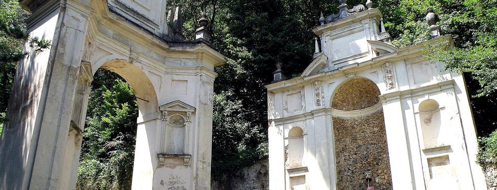 Varese_Sacro_Monte_Arco_San_Carlo_1_edit