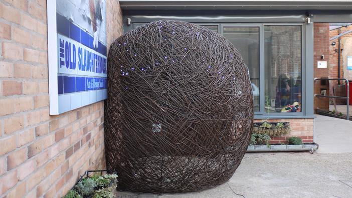 bauble_willowsculpture_spencerjenkins.es