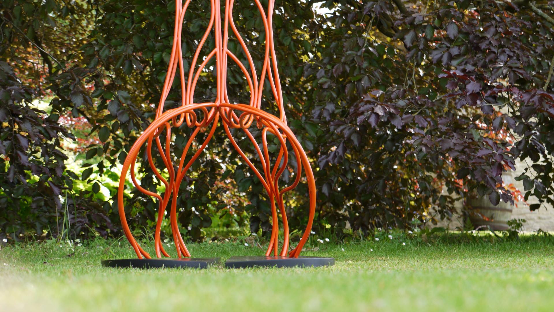 gen2.caterpillar_steelseatsculpture.spen
