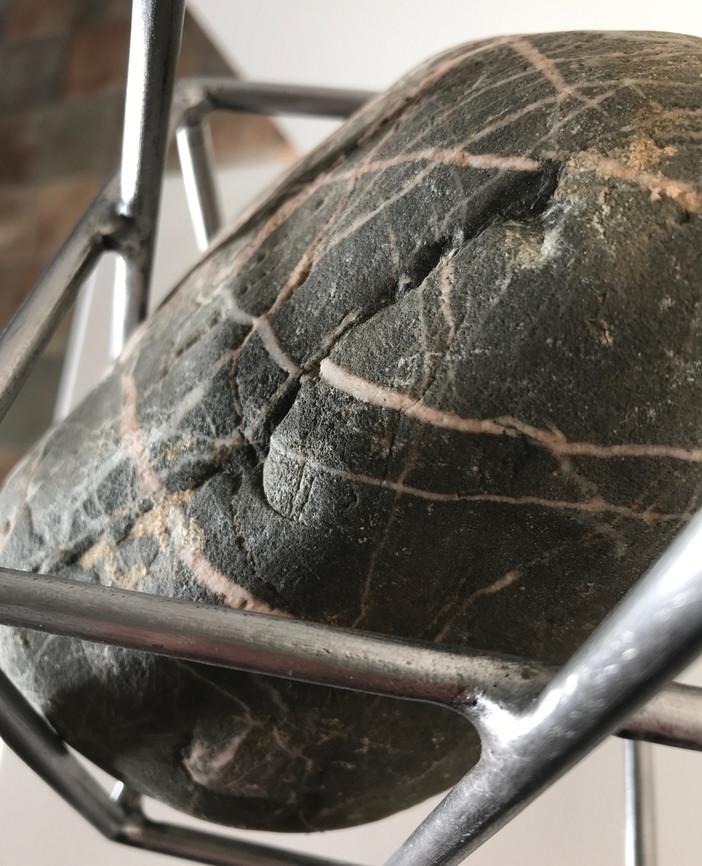river_cobble_isculpture.steel&stone.spen