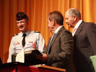Coordenador da BUSF-Portugal Comandante Walcher Homenageia em Nome da BUSF-CPLP o Corpo de Bombeiros