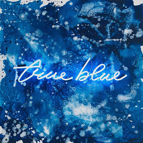 True blue - Caroline Rovithi