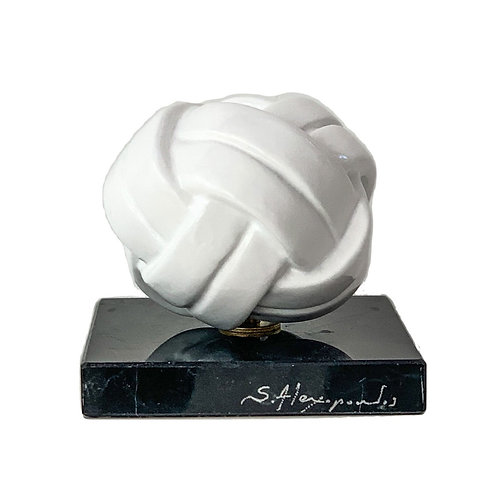 White Resin Sculpture titled Knot by sculptor Stathis Alexopoulos