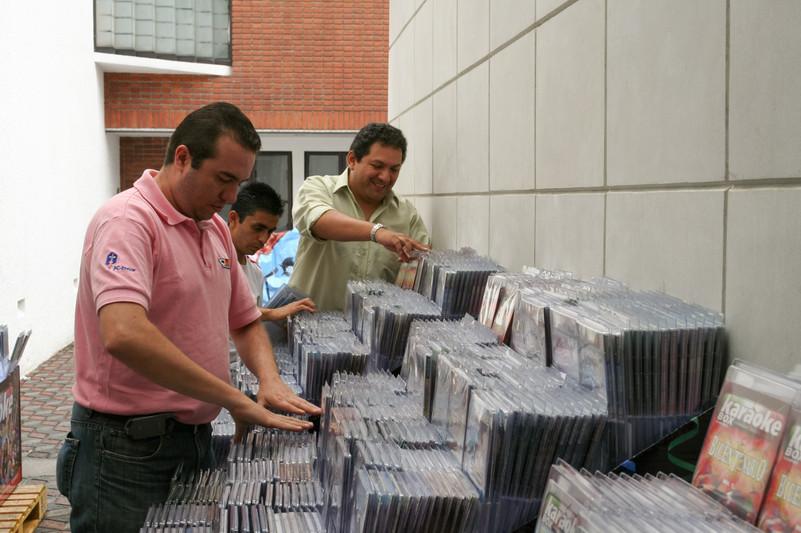 Distribución Karaoke CDs
