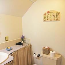 Bath in the Haydenville Room