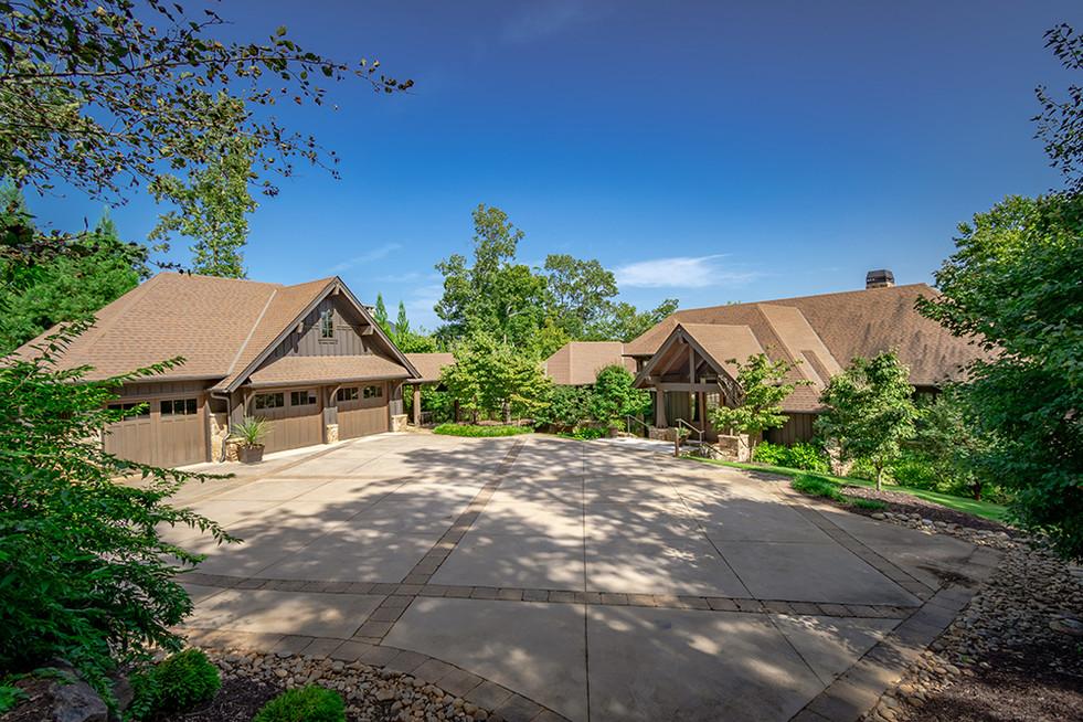 Falls South Lakeside Lodge