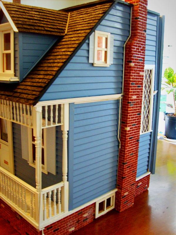 TK cottage dollhouse_edited.jpg