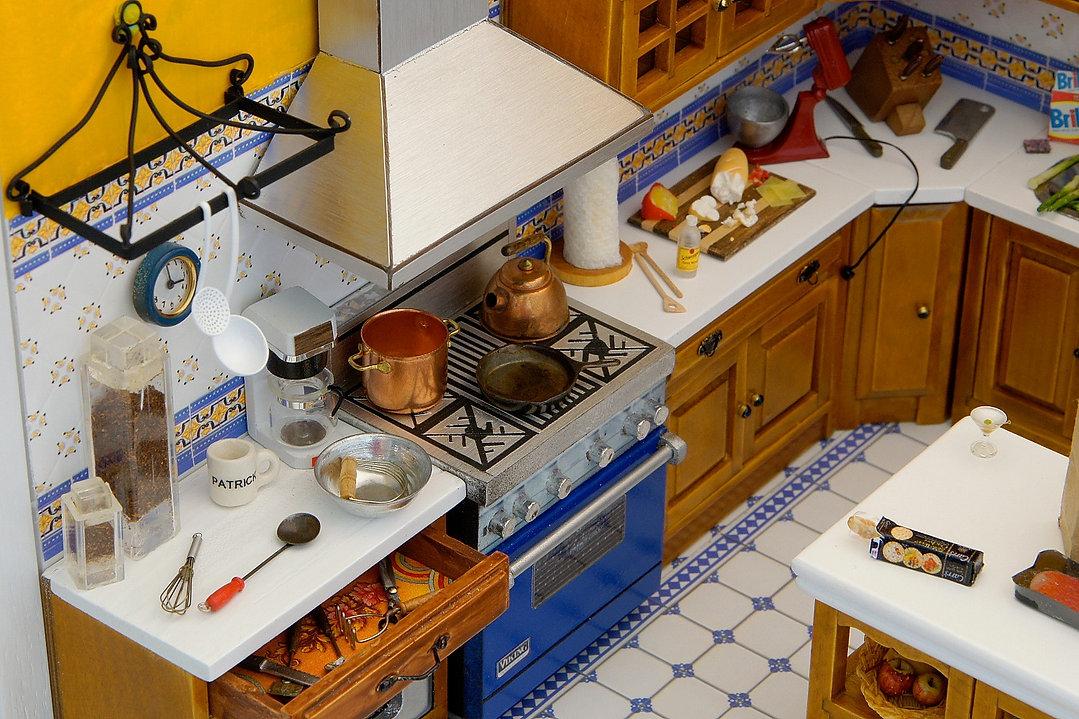Hoover kitchen closeup_edited.jpg