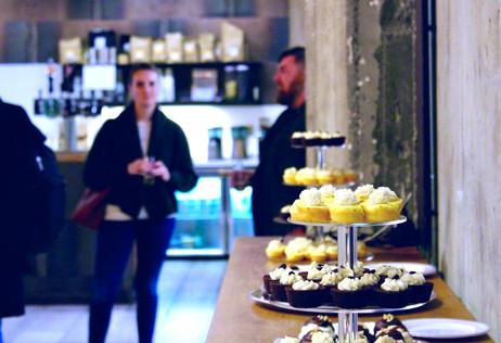 The mini cupcakes look so tempting!
