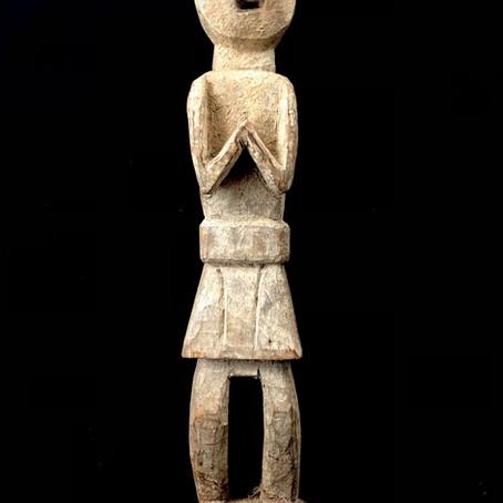 Statue de protecteur / Statue of protector