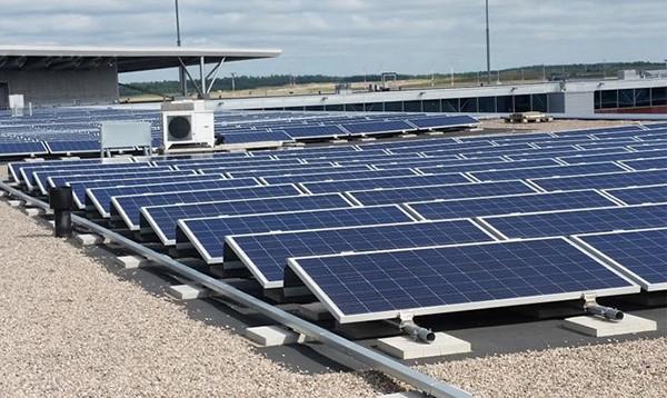 Солнечная электростанция на крыше аэропо