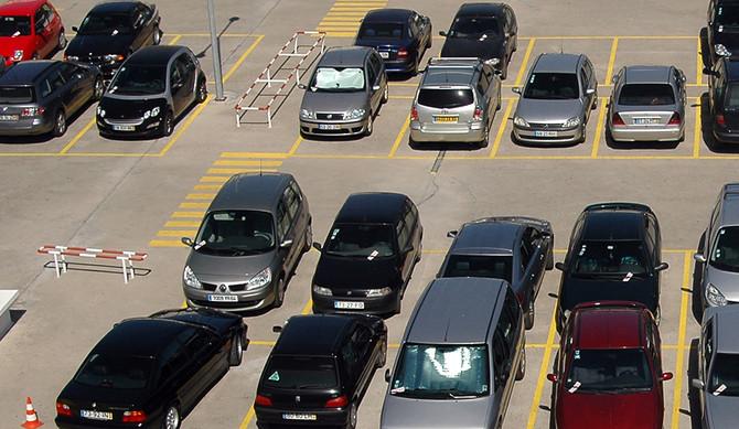EMEL anuncia parques de estacionamento 'low cost'