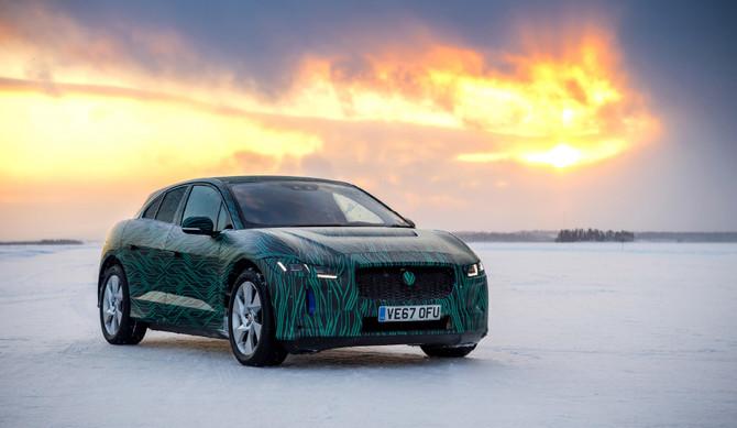 Jaguar I-Pace: carregamento a 80% em menos de 45 minutos