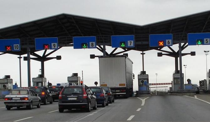CDS-PP defende desconto nas portagens para veículos elétricos