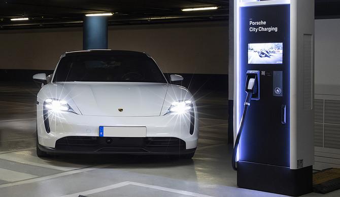 Porsche inaugura rede de carregamento em Espanha e Portugal